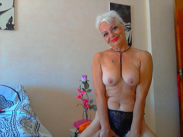 Bin eine erotische und geile Lady und suche ein Sexpartner zum spielen!!