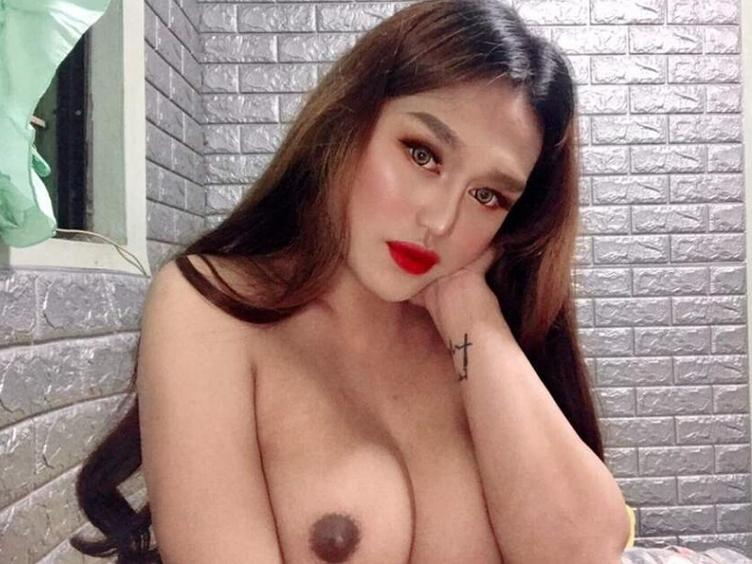 I`m a slim, horny, cute little princess - full of surprises just for you! Come join me in my world of hot transsexualism. ;)