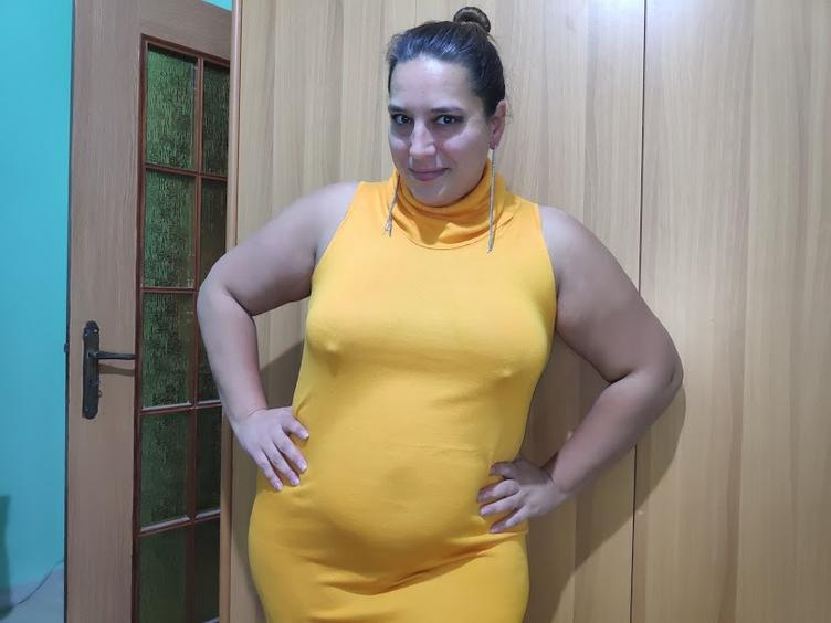 Sexy bbw mit kleinen Titten und großem runden Arsch wartet auf dich.