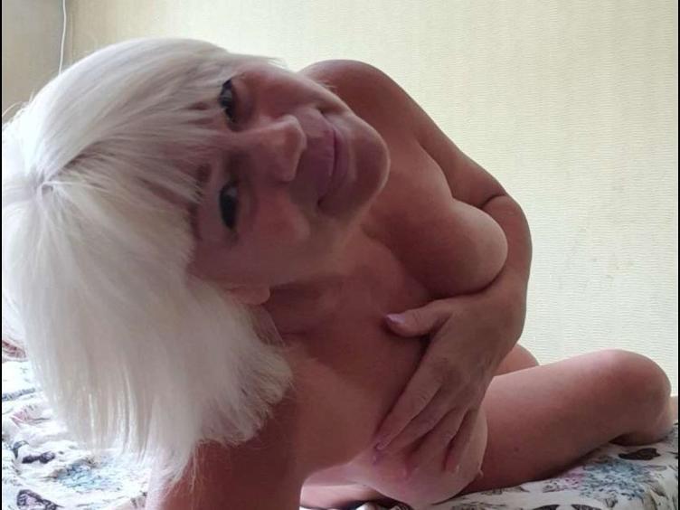 Public-Nudity, Spanking, Voyeurismus, Real-Treffen