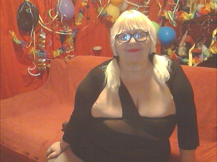 Ich liebe den Bumsen und brauch es sehr viel!!!