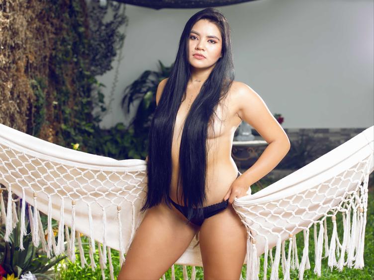 Hallo Liebling, du kannst Vicky Night besuchen  Ich bin ein professionelles Webcam-Model aus Kolumbien, ich bin sehr neugierig, glücklich und verständnisvoll, aber ich lasse mich auch von der Lust mitreißen und ich liebe es, dass du all deine fleischlichen Wünsche teilst, ich liebe Sex und ich bin gut darin.  Denken Sie daran, dass Sie immer um alles bitten können.  Kommen Sie!