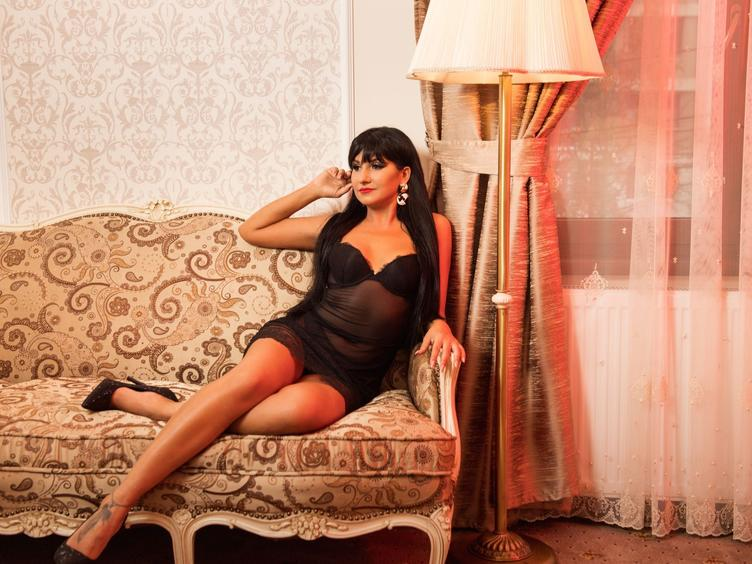 I am a slender brunette, always looking to find my true love. I am passionate - and I always give  100% of myself. I enjoy sex and webcam chat - maybe you would like to join me?